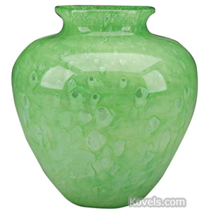 Cluthra Vase Urn Shape Lime Green Ground Pontil | Kovels' Price Guide