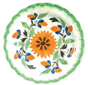 Leeds Plate Flower Vine Decoration Green Embossed Scalloped Rim