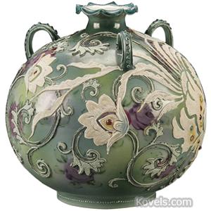 Moriage Vase Rooster Flowers Jewels Bulbous Ruffled Rim Loop Handles Nippon
