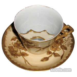 Mustache Cup Japonisme Tan Gold England 1880s