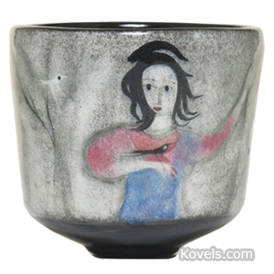 Pillin Vase Woman With Birds Footed Pillin