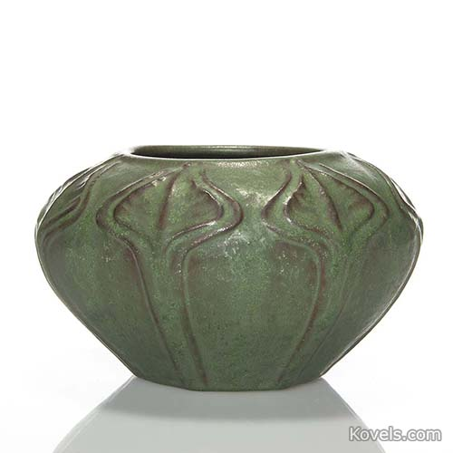 van-briggle-vase-arrow-root-design-green-glaze-hn110814-0324.jpg